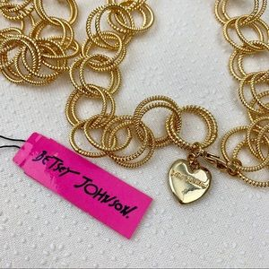BETSEY JOHNSON Large Gold Chain Necklace